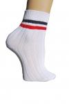 Pack 2 calcetines deportivos - Raya cl�sica - Dos calcetines tobilleros deportivos. Art�culo cl�sico ideal para todos los deportes y para aquellos colegios que no admitan calcetines de fantas�a. Composici�n: 80% Algod�n, 20% Poliamida. Fabricaci�n nacional.