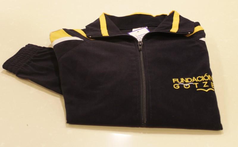 CHAQUETA CHANDAL - Chaqueta de chándal, bordada, uniforme oficial del colegio.