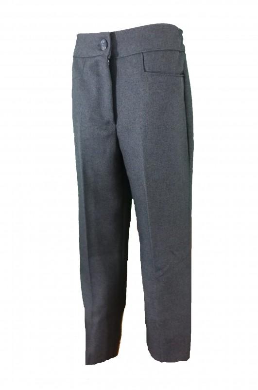 PANTALÓN DE VESTIR DE NIÑA CON BOTÓN - Pantalón de vestir largo de niña. Cinturilla con botón y diseño en bolsillos. Más estrecho que el modelo de niño.